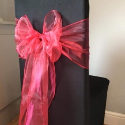 BLACK CHAIR COVER RED SASH