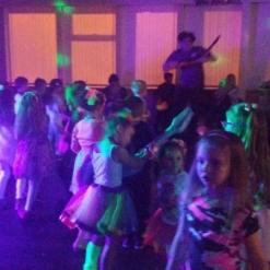 UV GLOW DISCO WITH KIDS DANCING